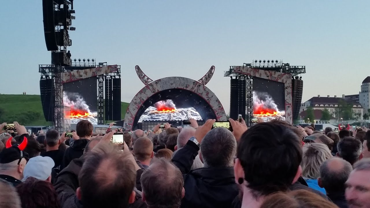 Acdc Rock Or Bust World Tour 2015 Rinne Dresden 10052015