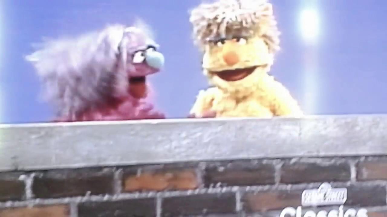 Classic Sesame Street: Scratch My Back (HQ)