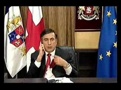 Mikheil Saakashvili eats Necktie