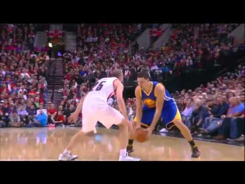 Klay Thompson dunks on Robin Lopez 11-2-14