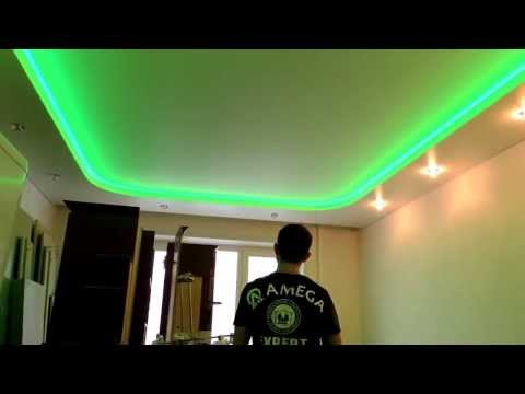 Натяжной потолок с подсветкой в коробе из гипсокартона.