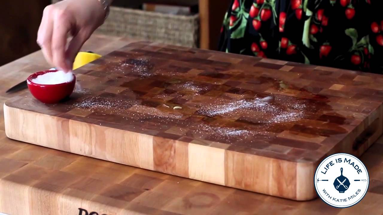 Clean A Wooden Cutting Board With Lemon