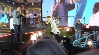 Video One Direction - What Makes You Beautiful (Horsens, Denmark 16.06.2015) download MP3, 3GP, MP4, WEBM, AVI, FLV Juni 2018