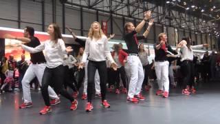 Chorégraphie des Hôtesses Stand Mazda - Salon automobile Genève 14 mars 2015