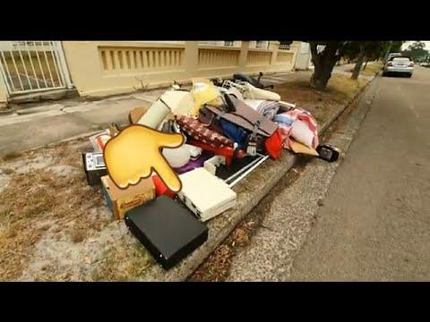 Нашла два чемодана ! Один забрала  ,а там сюрприз. Свалка в Австралии лучше ,чем барахолка