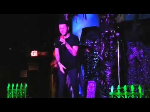 Nathaniel singing amazing karaoke