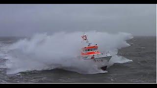 DGzRS Seenot Rettungskreuzer / Nordsee bei Sturm | Lifeboat at Heavy Weather | Ernst Meier - Hedde