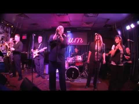 Gary U.S. Bonds at the Iridium, N.Y. 2011 Part 5.