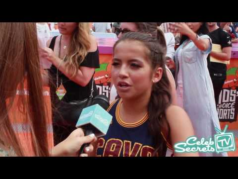 Isabela Moner Talks Boyfriend Jace Norman | 2016 Kids' Choice Sports Awards