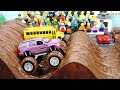 Monster Trucks in the mud show for Kids