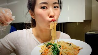 How to Make Japchae (Korean Glass Noodles) - The Ultimate Guide