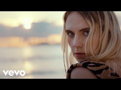 MØ - Drum (Official Video)