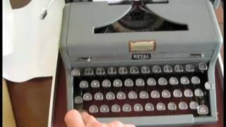 ROYAL Quite Deluxe Typewriter