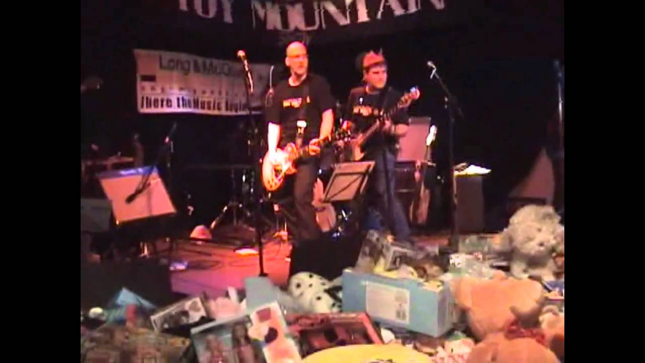2009 the house band performing play that funky music youtube for Funky house music