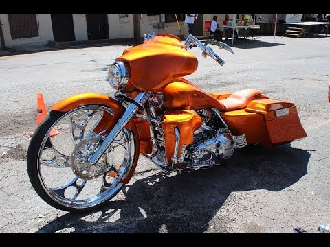 "candy orange harley davidson bagger with 30"" wheel - youtube"