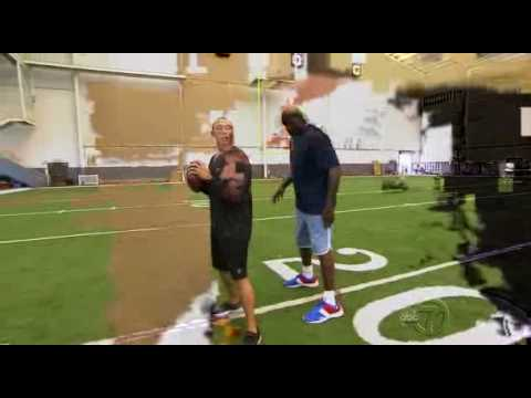 Charlie Batch Teaches Quarterbacking