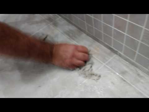 Как очисти плитку от клея и прочие грязи