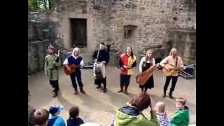 """Sonor Teutonicus mit """"Bache Bene Venies"""" , Burg Ravensberg 4.15"""