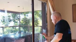 HometintingDIY Step 3 H๐w To Install Tint on Your Windows! 1 Person Install