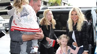 """Jessica Simpson Says Donald Trump Should """"Be The President"""""""