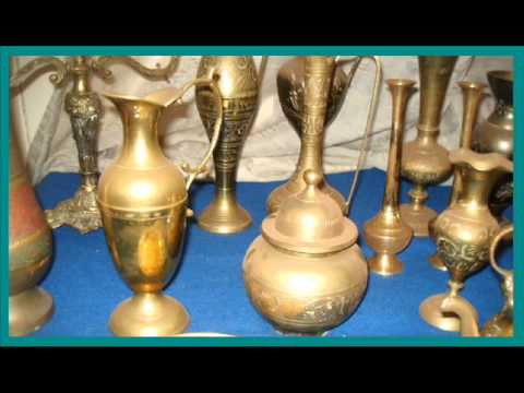 A Collection of 15 Vintage & Antique Brass Vases & Ornaments
