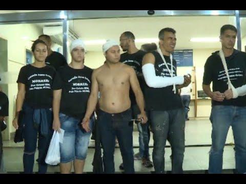 Confusão entre evangélicos e guardas municipais deixa 12 feridos | SBT Brasil (26/04/18)