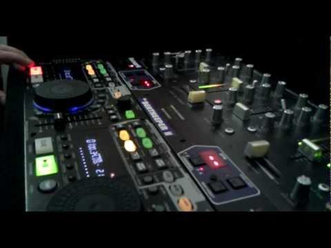34 Av. ROCK STREET R-MIX /  LATINOS MOBILE SOUND SYSTEM
