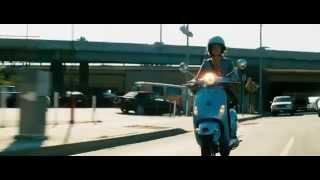 Transformers (2007) Bumblebee vs Barricade (HD latino)