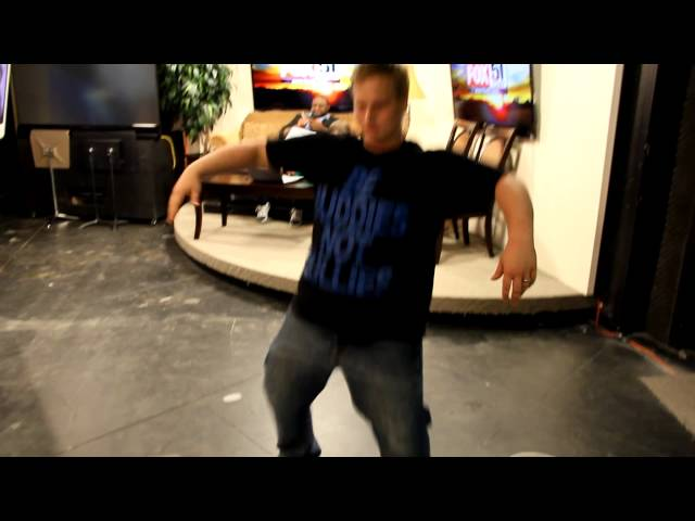 Matt Hudson Dancing in the Studio to Nelly!!