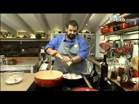 David de jorge cocina 39 chipirones con alb ndigas 39 youtube for La cocina de david de jorge
