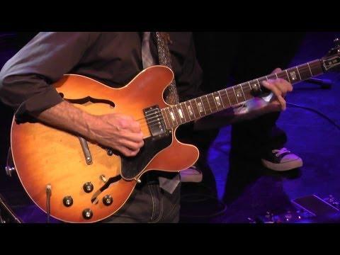 "Larry Carlton Quartett - ""sleepwalk"" Heerlen, Theater 8.11.2013"