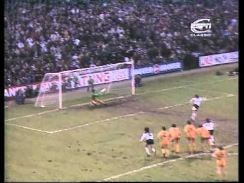 Fulham v Wolves, 1st January 1983