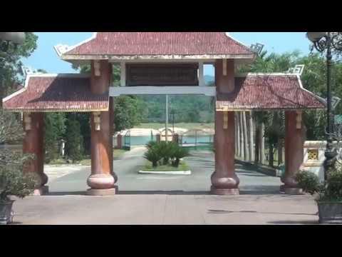 Thăm Viếng Mô Tổng Bí Thư thứ I Tran Phu va Mộ 10 Cô TNXP