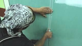 Шпаклевание внутренних швов(Шпаклевка швов гипсокартона: видео-инструкция Как шпаклевать швы гипсокартона, чтобы избежать появления..., 2014-08-28T12:23:33.000Z)