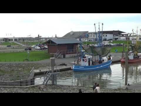 Nordsee  - Dorum - Kutterhafen Mit Gastronomiebetrieben