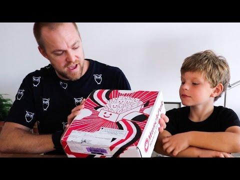 Johan och Ludvig testar: Munchpak - godis från hela världen