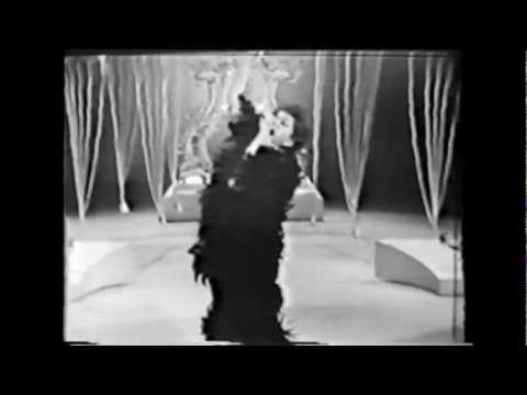 Judy Garland: What Now My Love (Perry Como's Kraft Music Hall 1966)