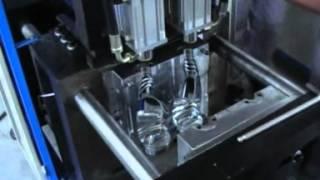Полуавтоматическая машина для выдува ПЭТ тары L-BS 510.mpg(Полуавтоматическая машина для выдува ПЭТ тары от 100 мл до 6 литров. ЛебаоРу., 2012-05-10T02:11:50.000Z)