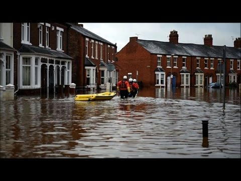 Powerful storm causes severe floods in northwest England