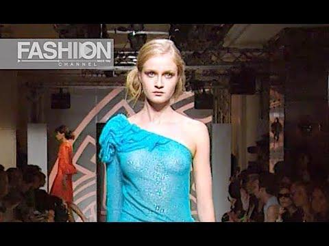 VERSACE ATELIER Fall 2000/2001 Paris Haute Couture – Fashion Channel