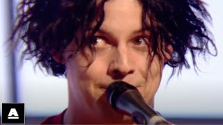 The White Stripes 'Dead Leaves And The Dirty Ground' TOTP (2002)