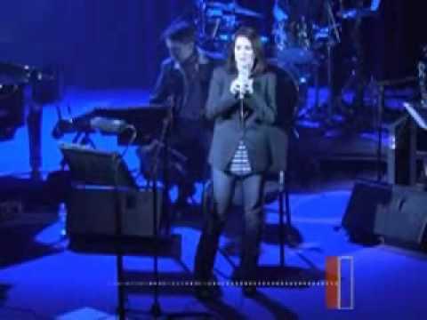 MEGAN MULLALLY - Karen Goes Pop (18-02-2010)