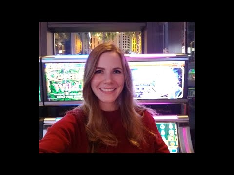 Live at the Casino! Blasting all the cash!
