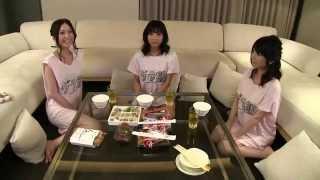ニコニコ生放送で、グラビアアイドル3名が、パジャマパーティならぬ水着...