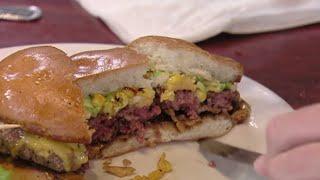 Gordon Ramsay gets served a RAW burger ( Kitchen Nightmares )