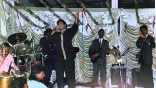yeh khidki jo band rehti hai            by hashim khan.wmv