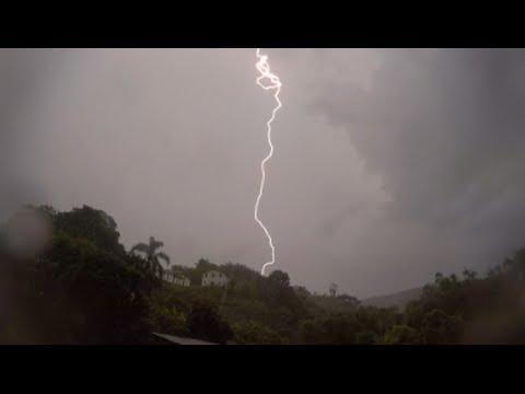 VERY CLOSE LIGHTNING STRIKES - Severe thunderstorm in Brazil