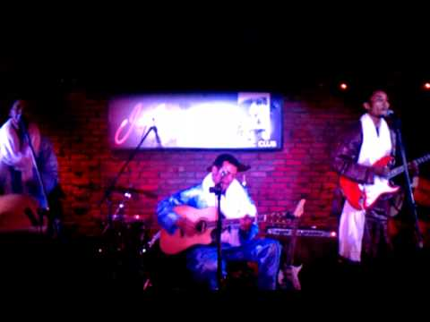 Bombino in Somerville