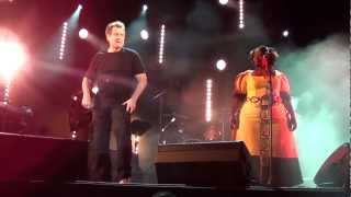 Johnny CLEGG -  Cruel Crazy Beautiful World (Latillé 15/08/12)