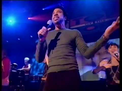 Lionel Richie - Don't Stop The Music - Top Of The Pops - Friday 22 December 2000